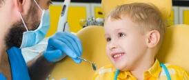 Bien préparer son enfant à sa première visite chez le dentiste